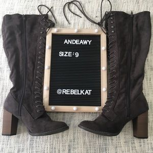 Andeawy Boots Size 9 Lace dark suede brown